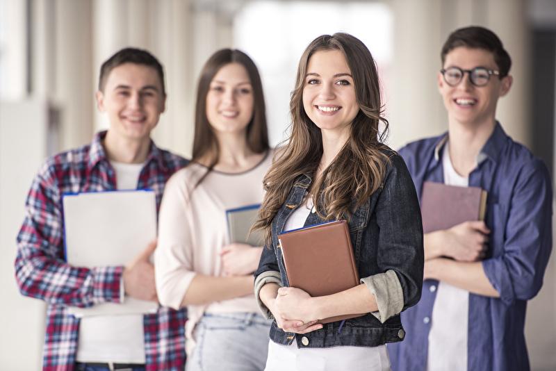 SV-erleben_Schüler Studenten Mitversichert_ -Panther Media_vadimphoto1 gmail.com